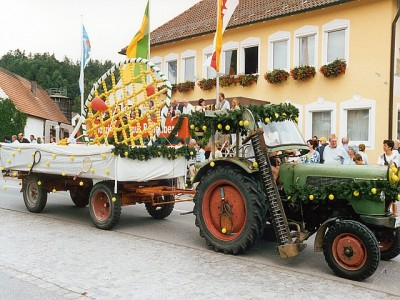 2002-festwagen